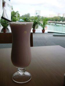 Коктейль молочно-кофейный