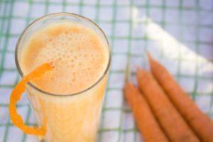 Коктейль с йогуртом морковный
